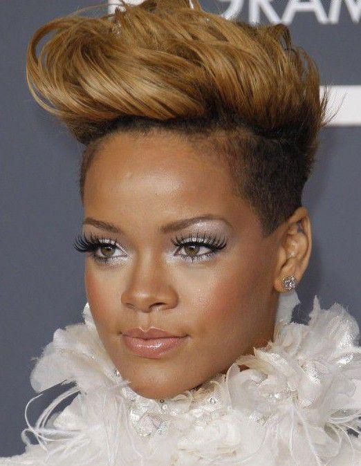 ženski frizura Pompadour