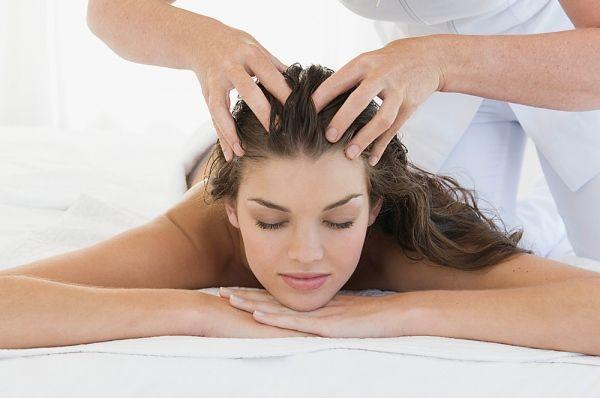 masaža glave za rast kose