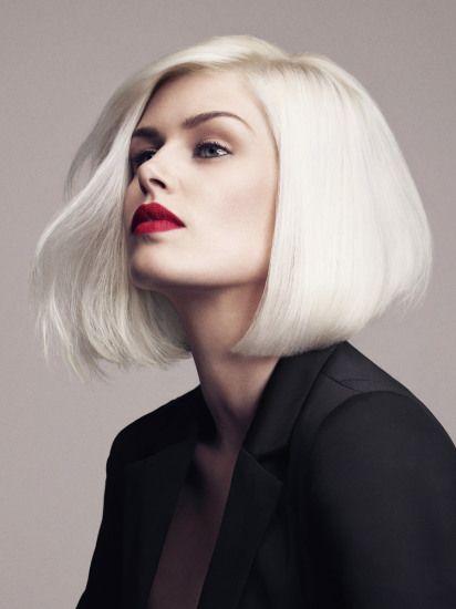 Moderan platina boju kose